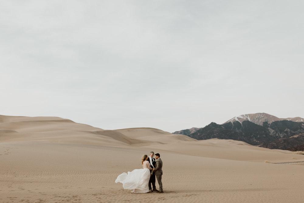 great-sand-dunes-elopement-51.jpg