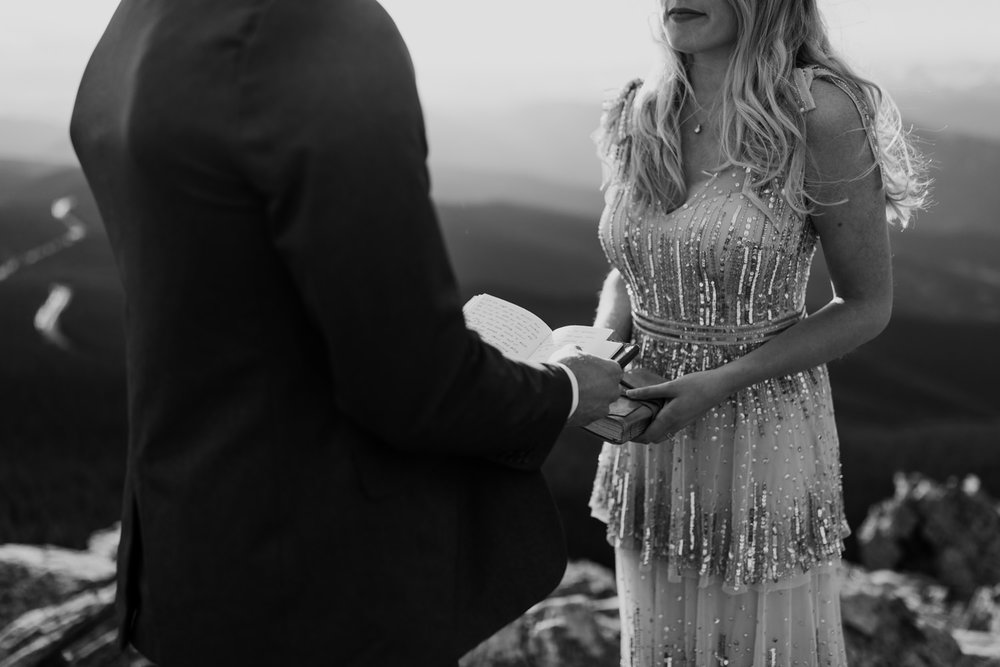colorado-mountaintop-engagement-33.jpg