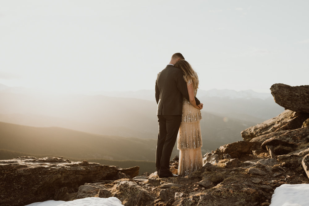 colorado-mountaintop-engagement-1-2.jpg