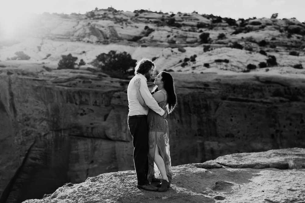 capitol-reef-national-park-engagements-1-2.jpg