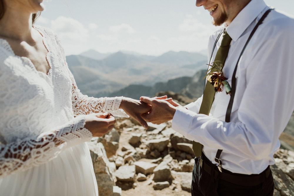 fourtneener-wedding-colorado-elopement-14.jpg