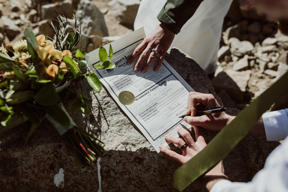 fourtneener-wedding-colorado-elopement-16.jpg