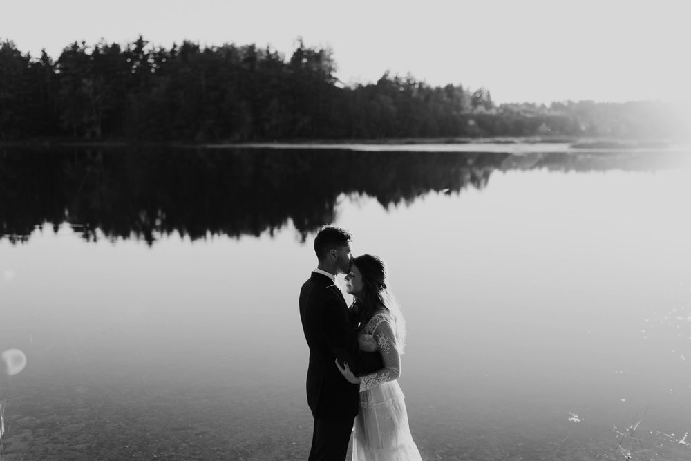 backyard-wedding-maine-wedding-photographer-49.jpg