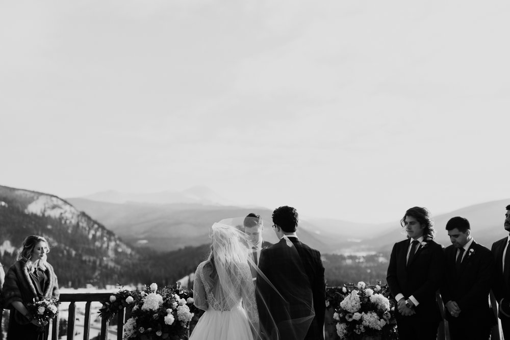 winter-wedding-colorado-17.jpg