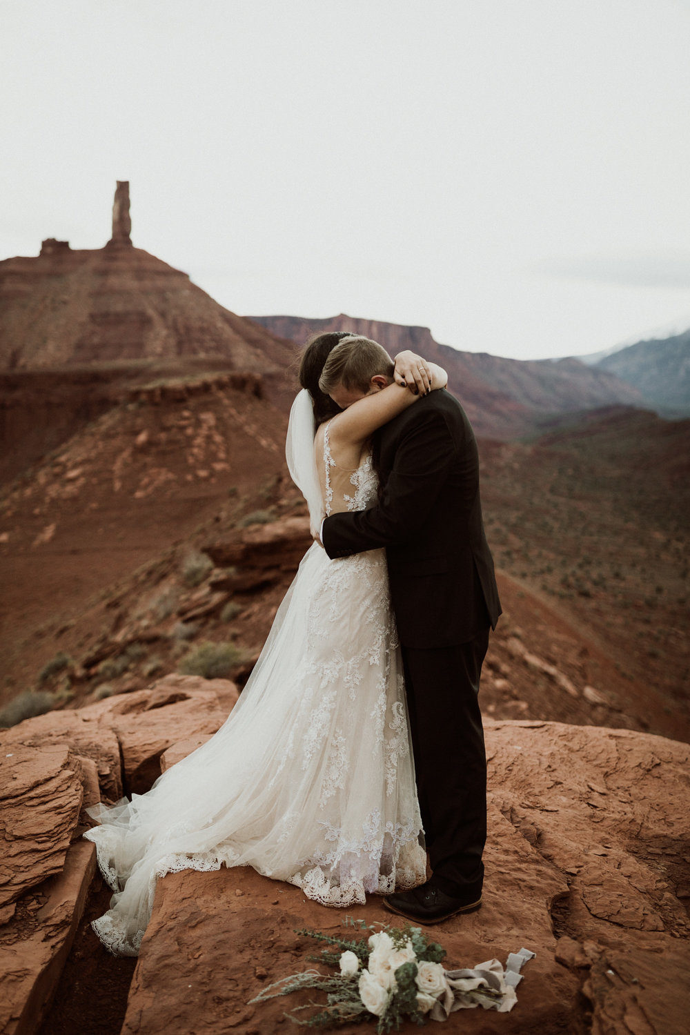 61_moab-utah-elopement-photographer-110.jpg