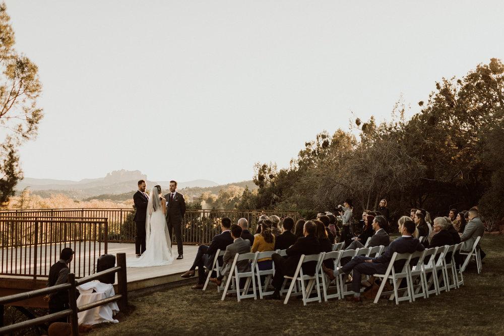 23_intimate-sedona-arizona-wedding-35.jpg