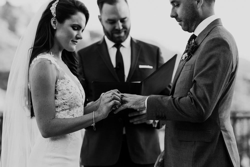27_intimate-sedona-arizona-wedding-39.jpg