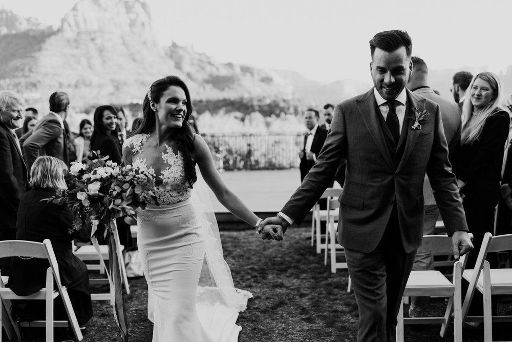 29_intimate-sedona-arizona-wedding-42.jpg