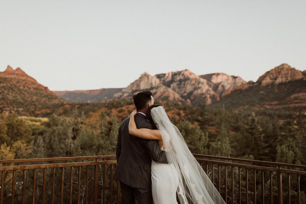 44_intimate-sedona-arizona-wedding-63.jpg