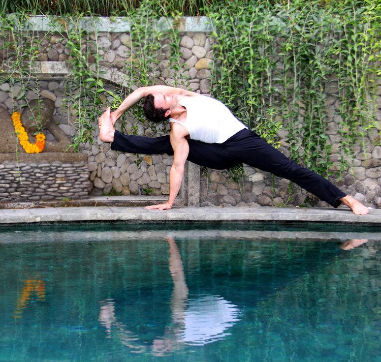 Vishvamitrasana+-+Pool.jpg