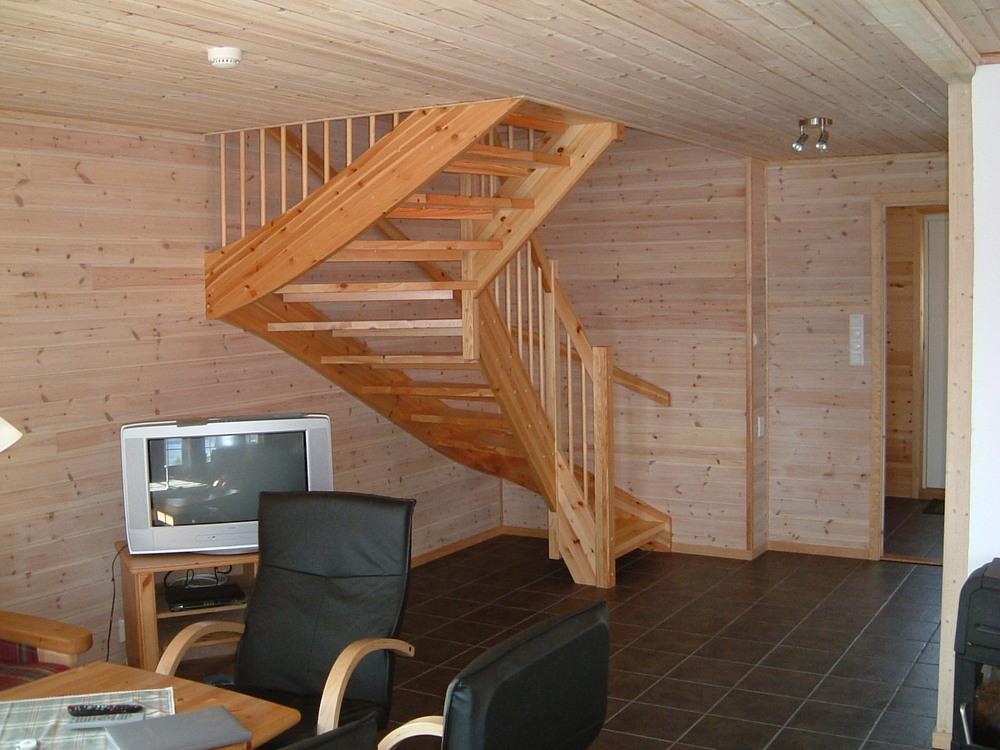 Trapp til 2. etasje
