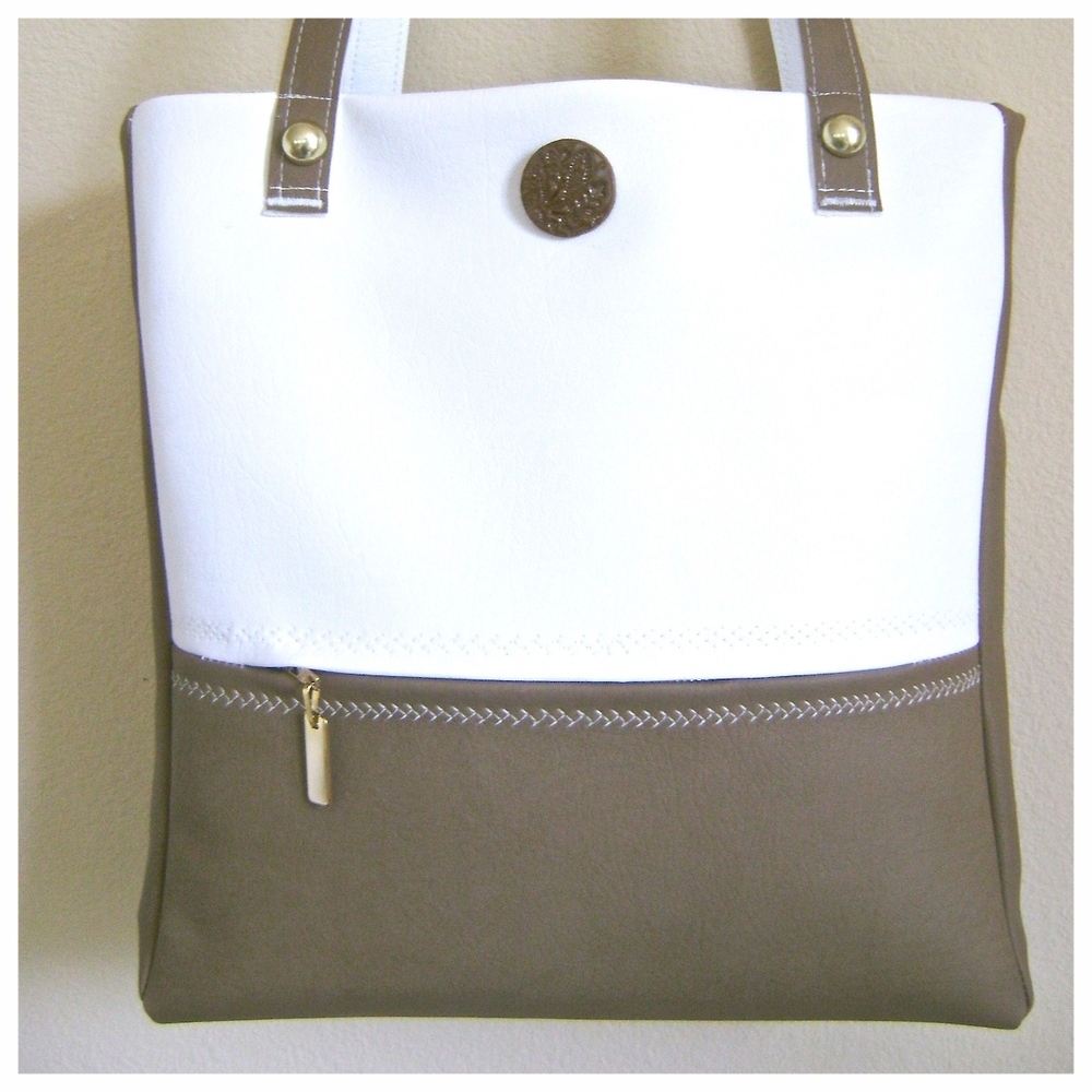 Cafe Au Lait Travel Bag