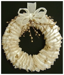 RUFFLED CHRISTMAS WREATH.jpg