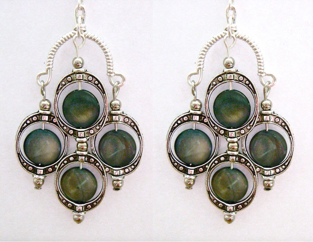 See the matching  Blue Eyed Multi Drop Earrings .