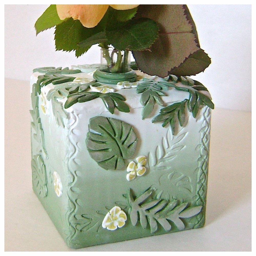 leafy bud vase.jpg
