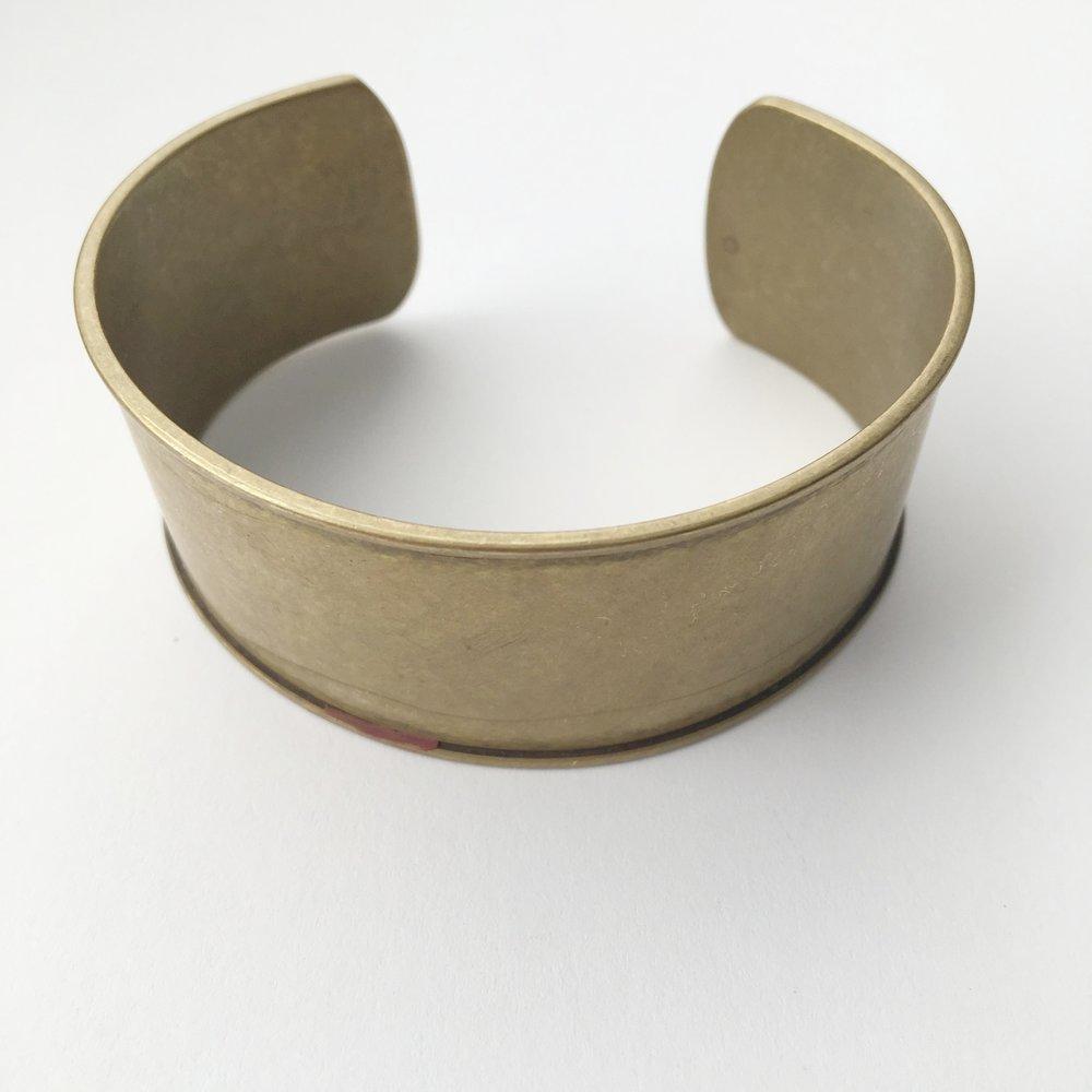 Channel bracelet frame from Jansjewels.com