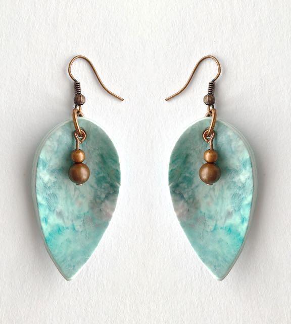 "• earrings measure 1.75"" long"