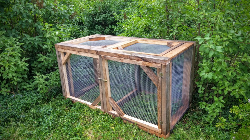 easy to open both on top and on the side, Our compost bins are Enclosed with a wire mesh to keep out dogs and other animals