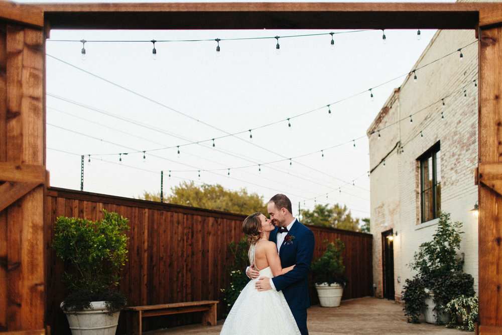 Jacob + Valarie - RIVER WEST PHOTOGRAPHY