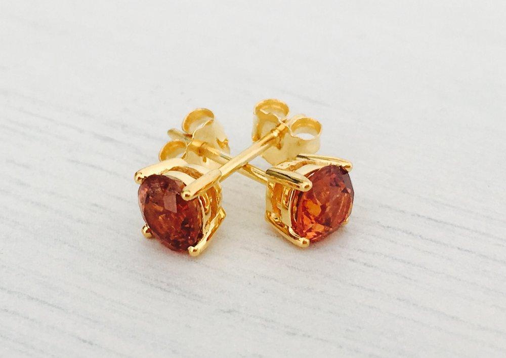 Happy New Year, Happy Garnets — Mia Ruby | Myanmar rubies