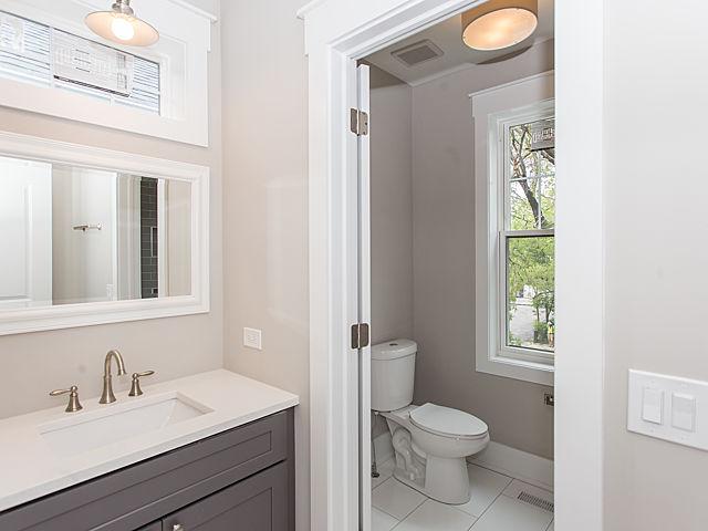 2bathroom21.jpg