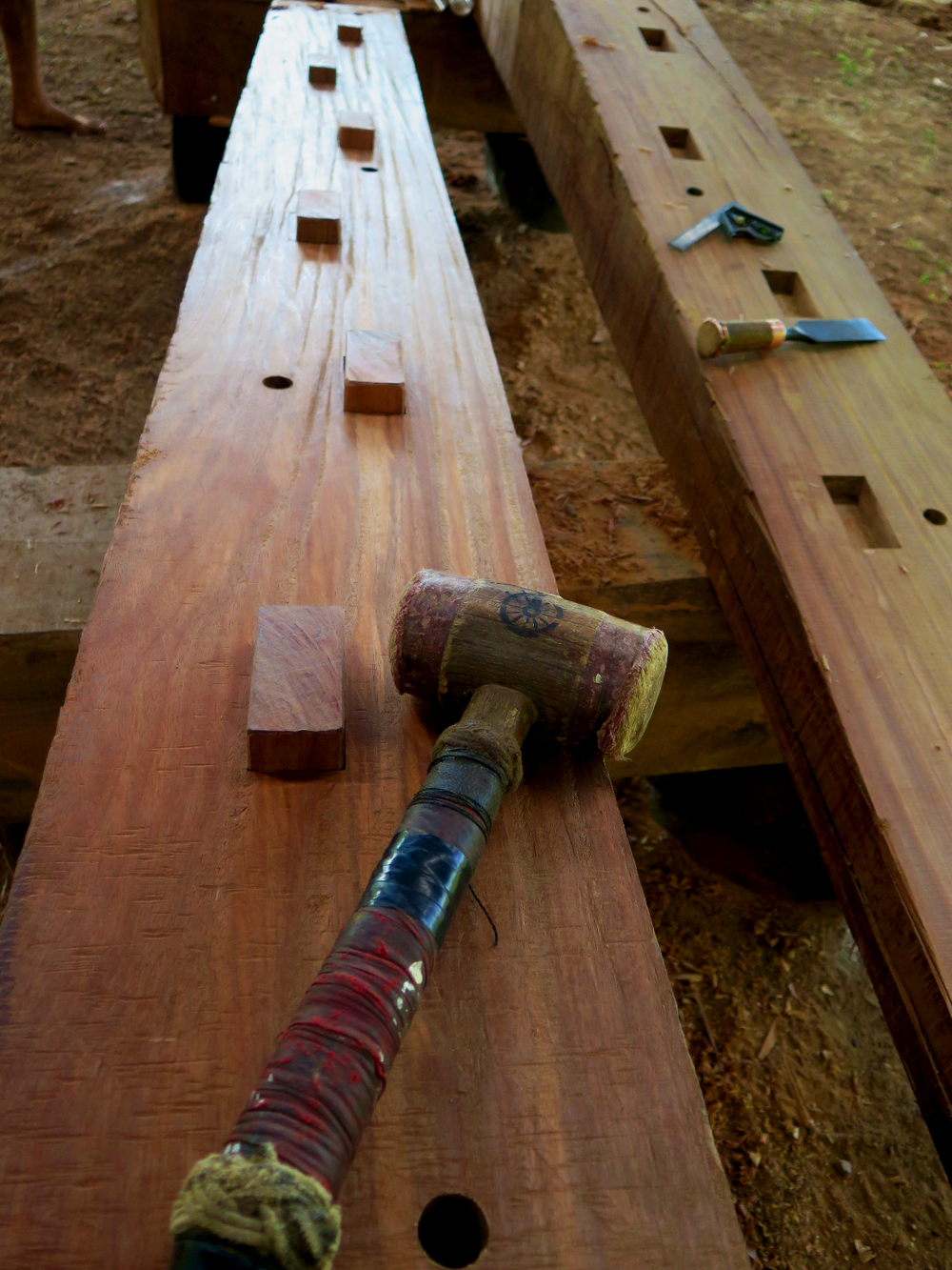 Keel coaxes in dry-fit.