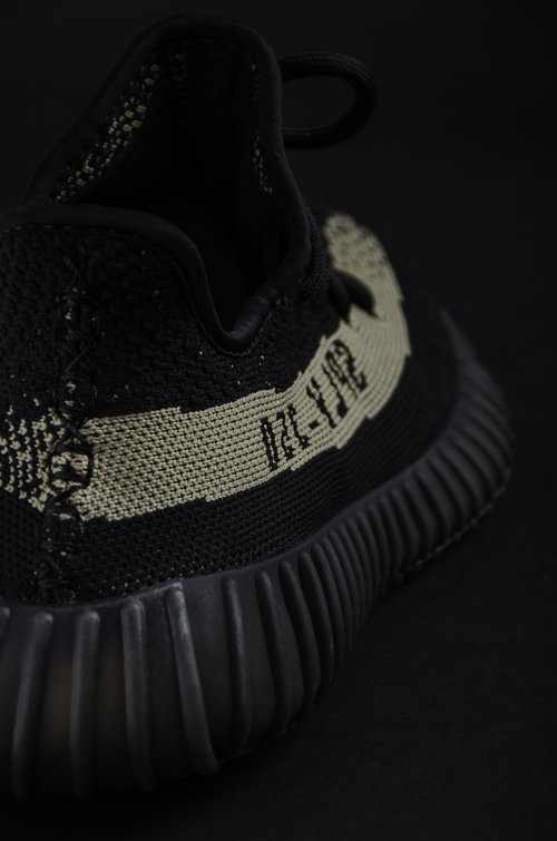 Yeezy Boost 350 V 2 Black / Green Core Black / Green (BY 9611
