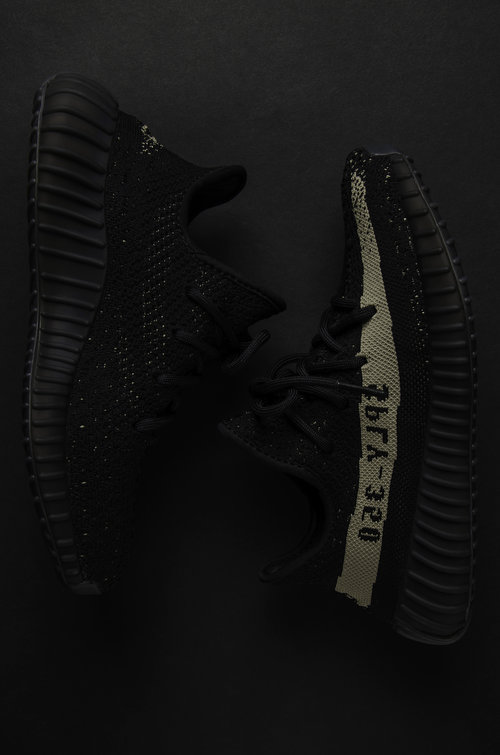 Adidas Yeezy Boost 350 V 2 Black / Green BY 9611 sz 13 100 Cheap Sale