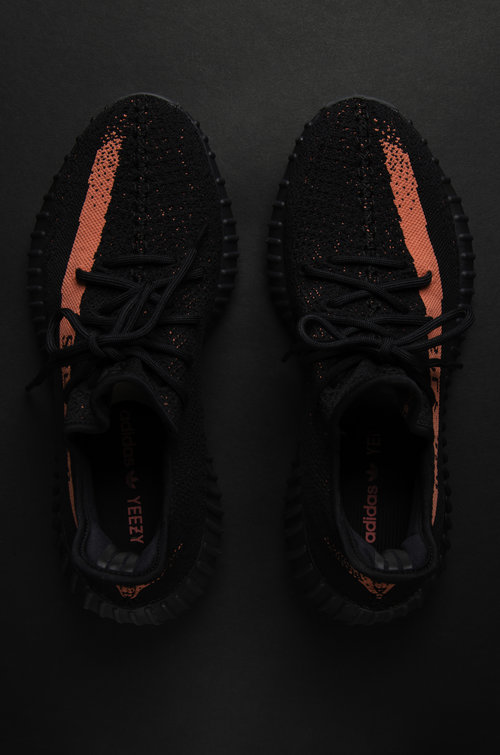 size 40 73181 1966c YEEZY BOOST 350 V2 'RED' — STRIPE CENTER