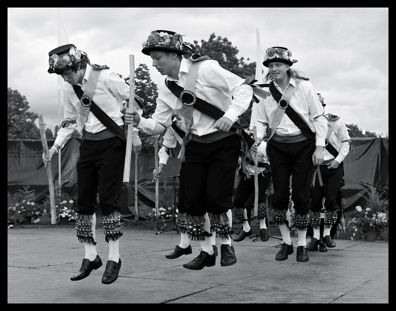 MORRIS DANCERS AT TOWERSEY FESTIVAL