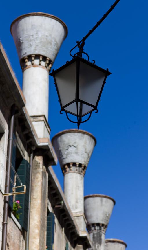 leica-m9-zeiss-zm-85mm-sonnar-lens-review-chimneys