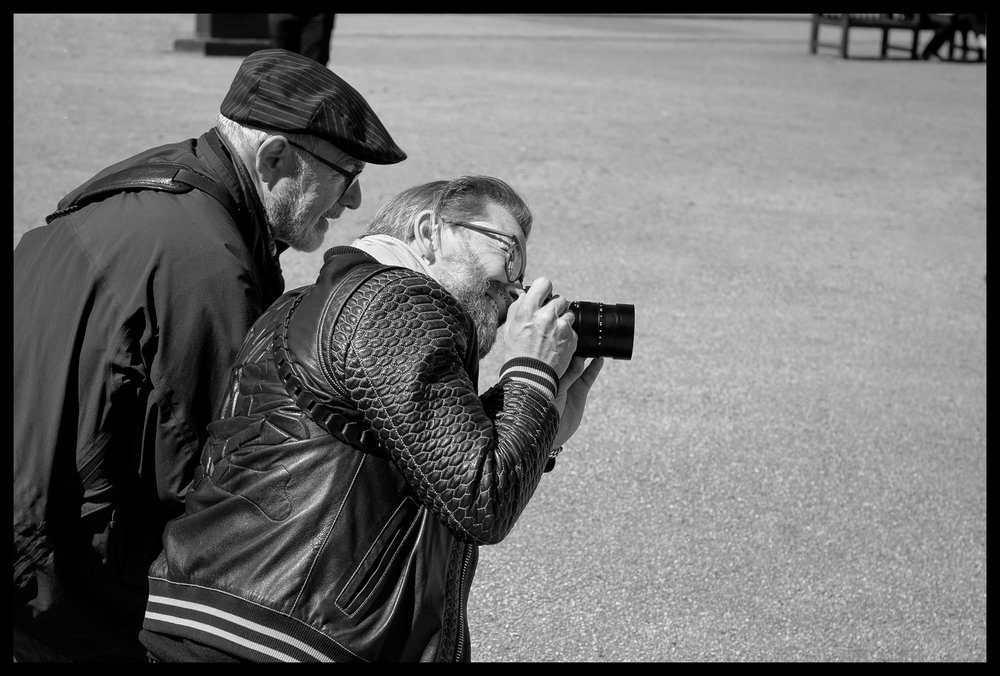 Thorsten Overgaard Showing How its Done in Fitzroy Garden Square - Leica SL