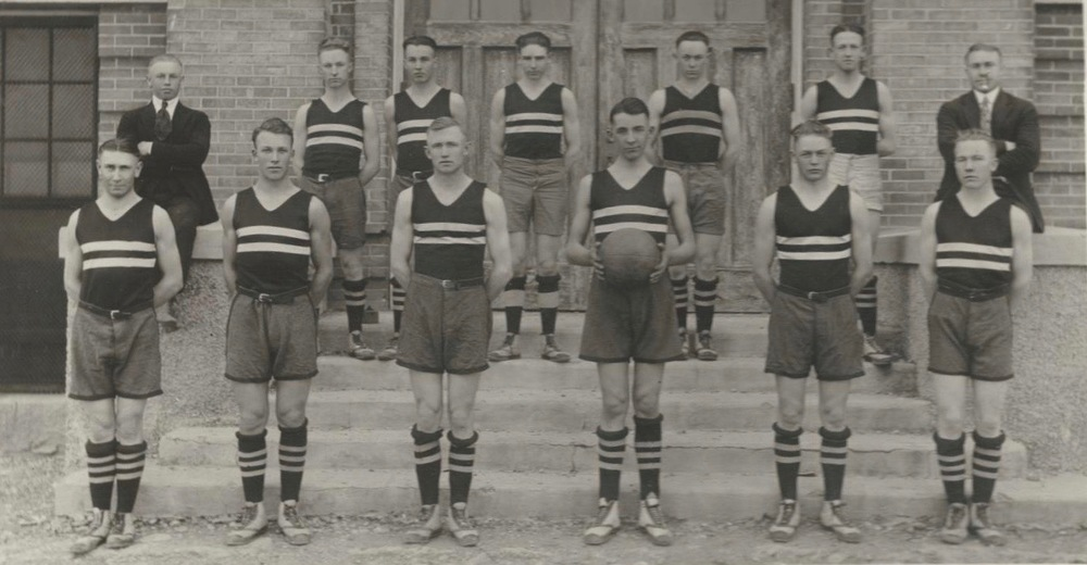 Front Row (Left to Right):  Pie Storrs, Orval Vance, Ross Nielson, Grant Ingersoll, Reed Steward, Frank Anderson  Back Row:  Leo Nelson, Jim Shelley, Owen Lynch, Clyde Bink, Lige Chipman, Newel Hoffiens, Hap Holmstead