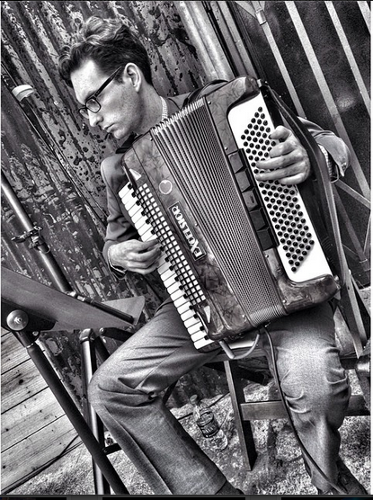 accordion vibes.png
