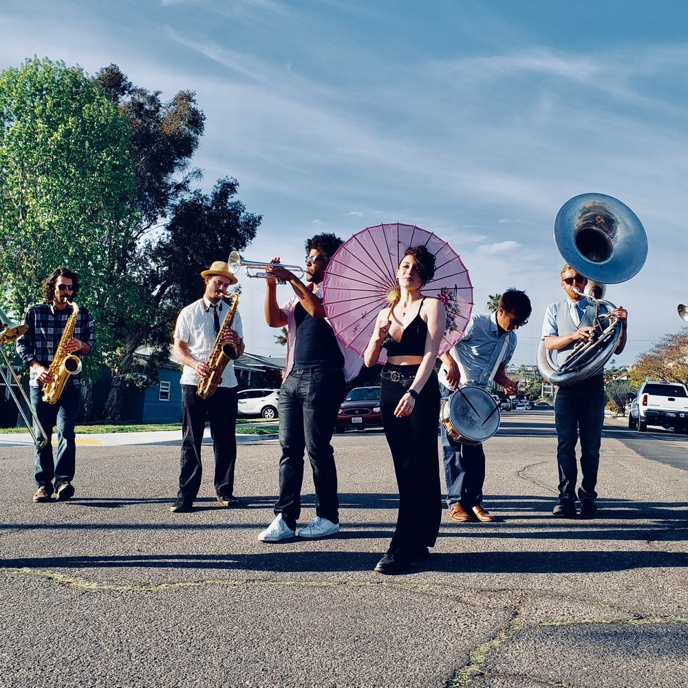 CHUNKY HUSTLE BRASS BAND (CREW D'ETAT) -