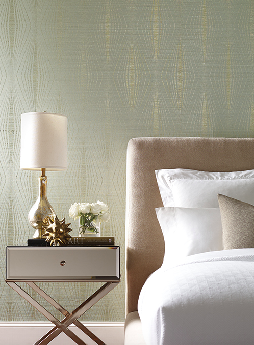 Metallic Wallpapers Are Popping Up In Every Line And Varying Degrees Of Bling Even Natural Materials Like Cork Sophisticated Glamorous Gold
