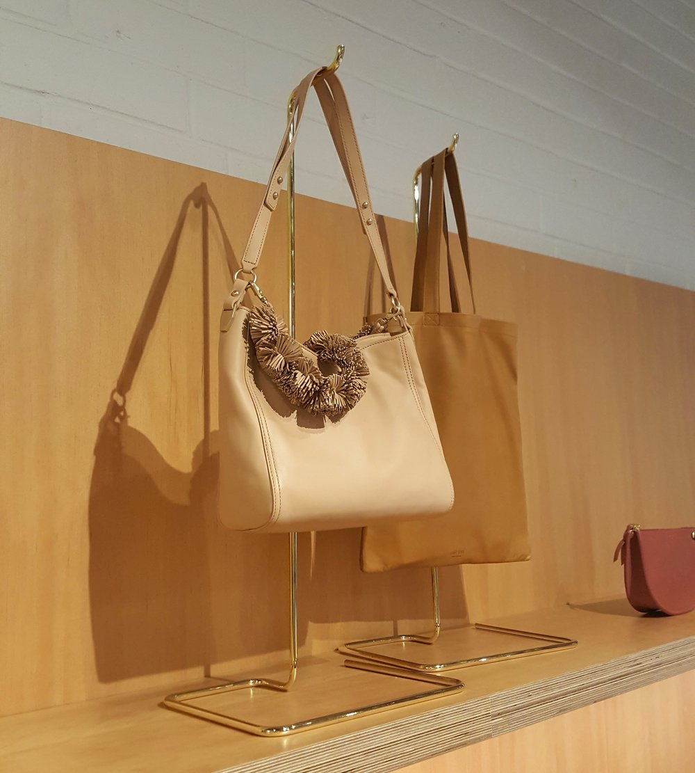 Handbag stands