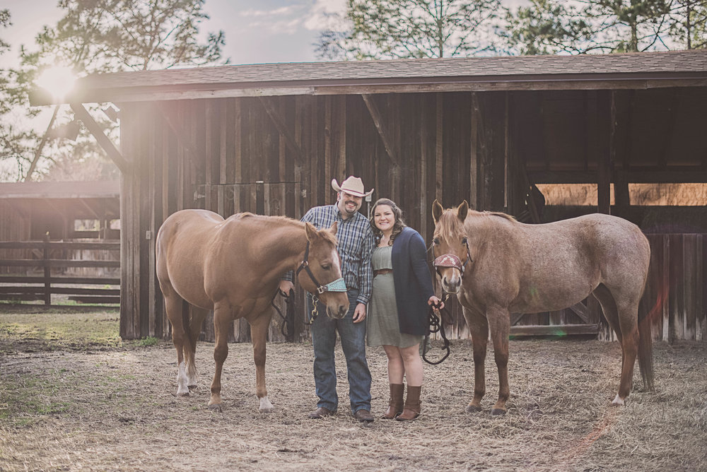 florida-engagement-session-photos-horses-stable