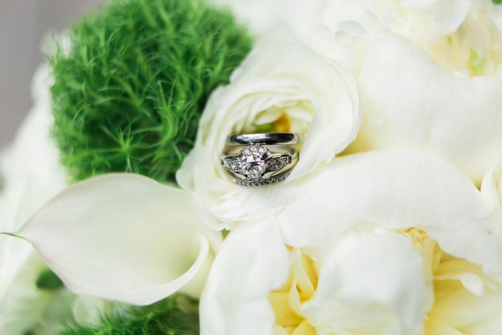 new-haven-wedding-bouquet-photographer