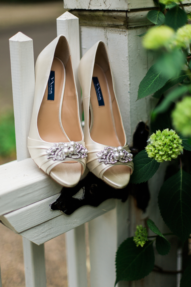 new-haven-wedding-shoes-photographer