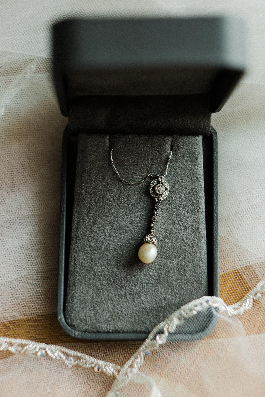 charlestown-rhode-island-wedding-photographer--necklace