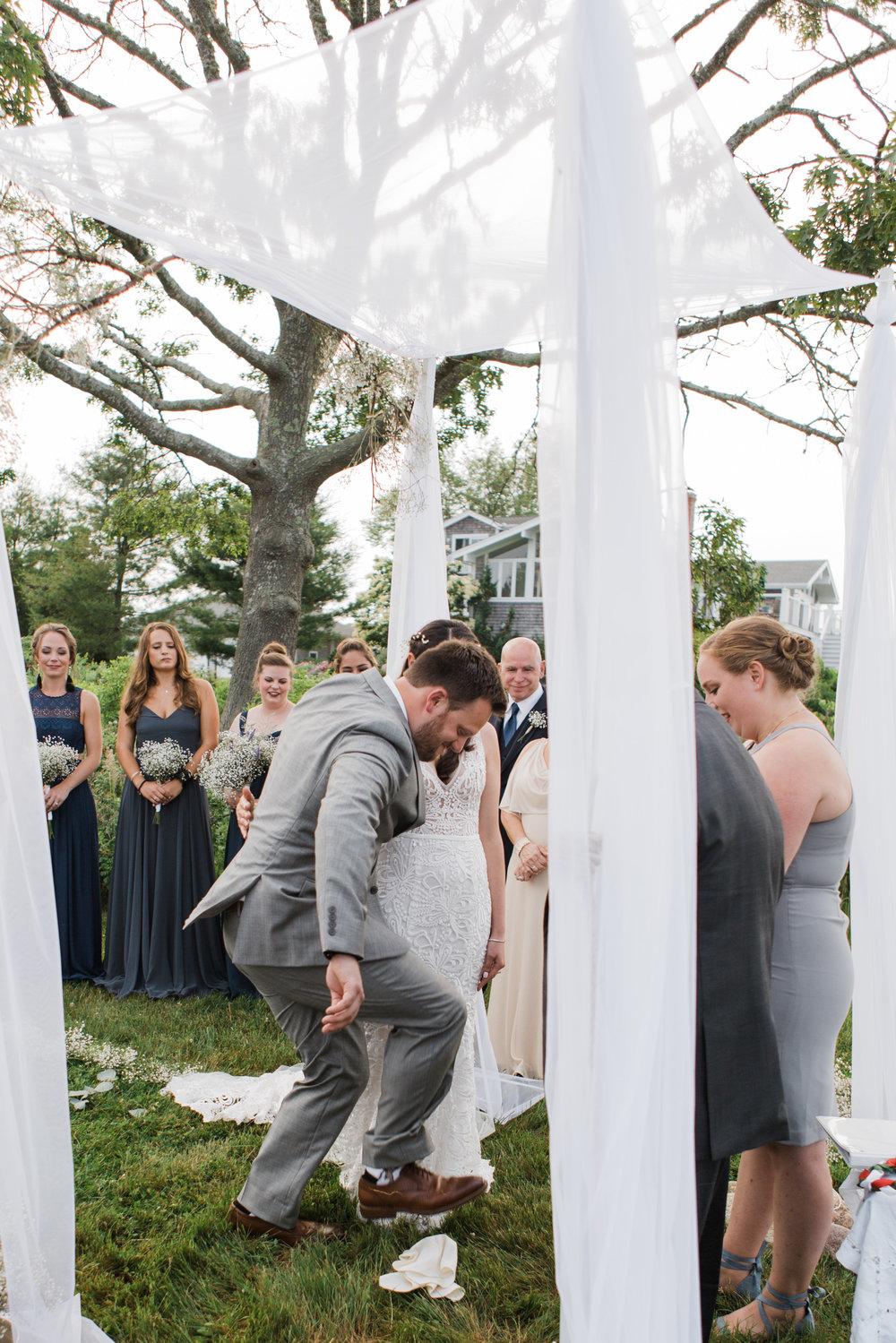 charlestown-rhode-island-wedding-photographer-breaking-of-the-glass