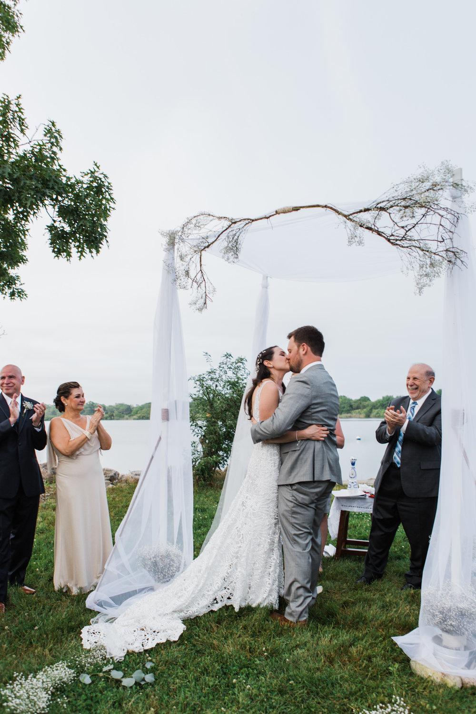 charlestown-rhode-island-wedding-photographer-first-kiss