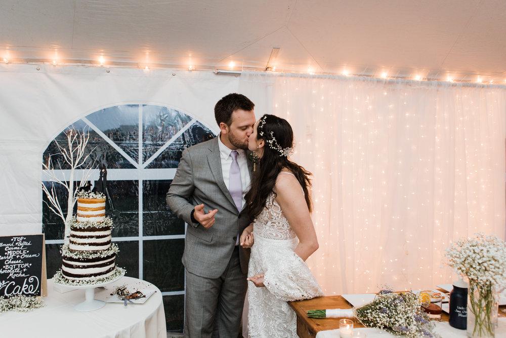 charlestown-rhode-island-wedding-photographer-cake-cutting