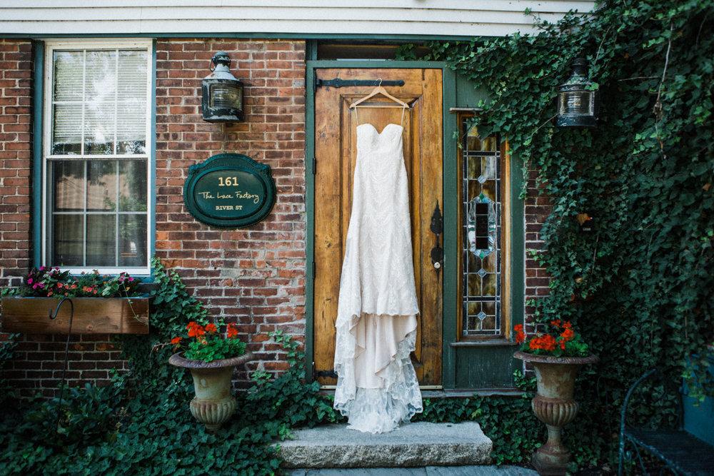the-lace-factory-deep-river-connecticut-wedding-dress