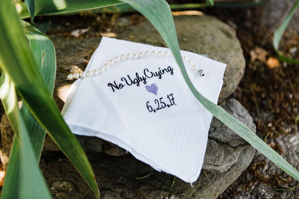 the-lace-factory-deep-river-connecticut-wedding-hankerchief