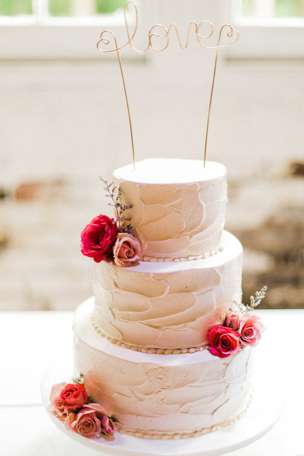 the-lace-factory-deep-river-connecticut-wedding-cake