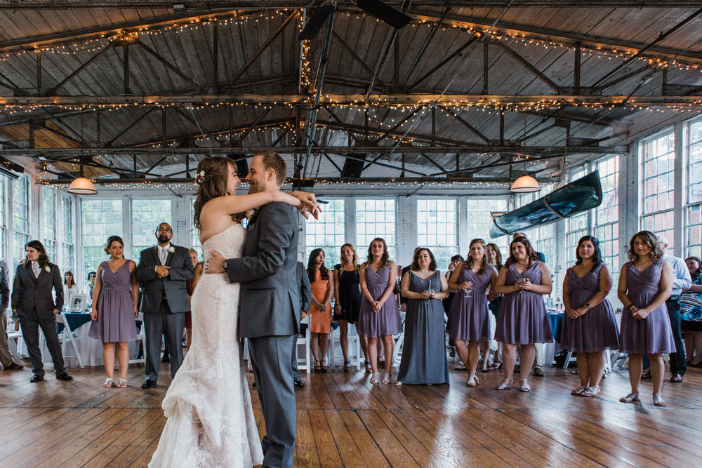 the-lace-factory-deep-river-connecticut-wedding-first-dance