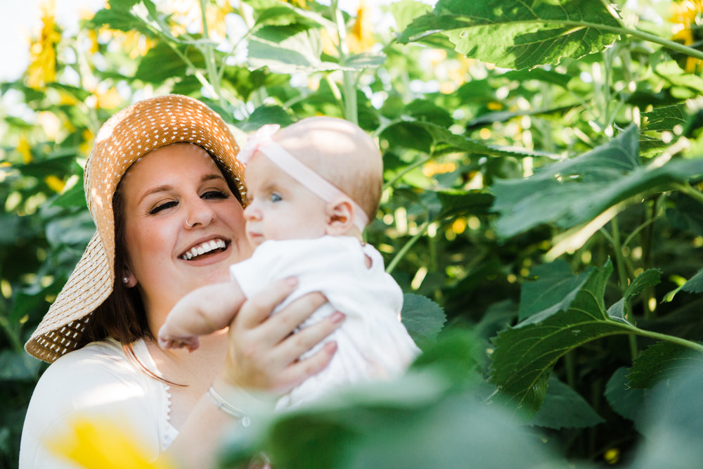 buttonwood-farms-sunflower-mommy-me-portrait-session-griswold-ct