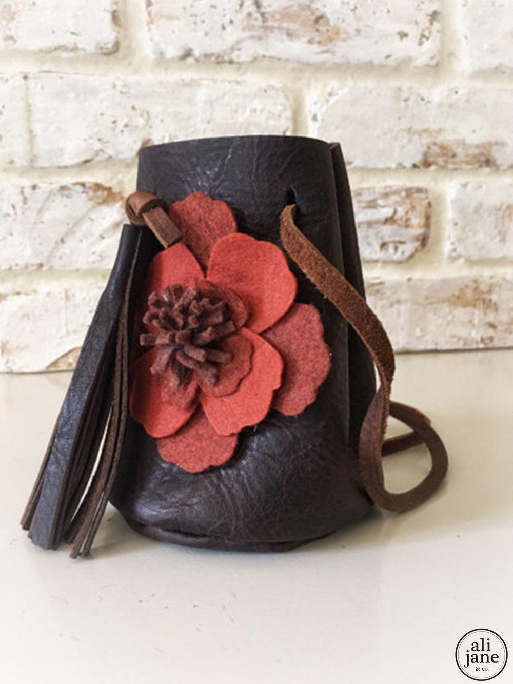 Dark brown vintage bucket